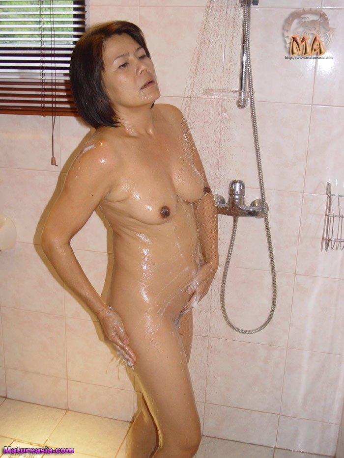 asian mom shower sex