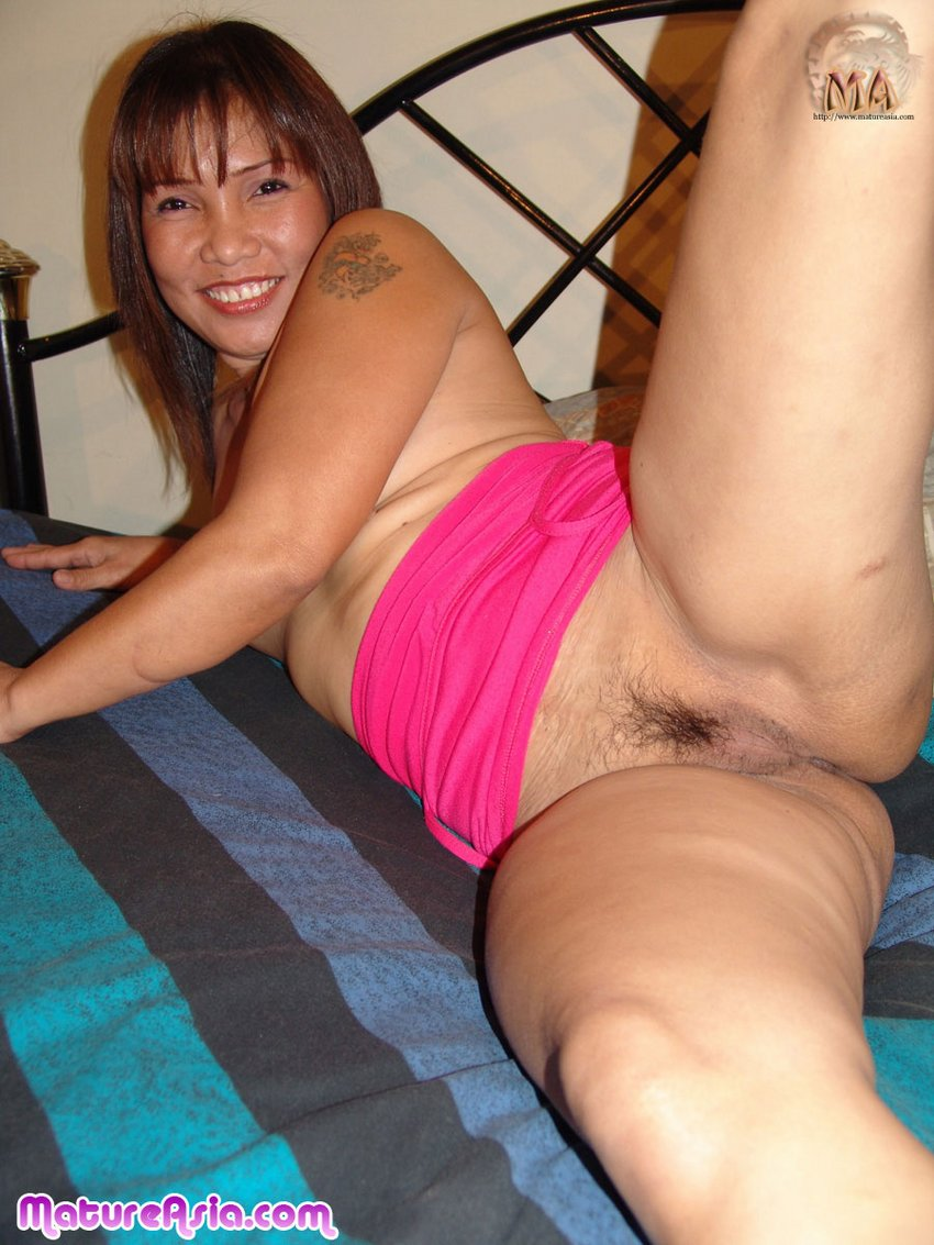 Hot amateur asian milf