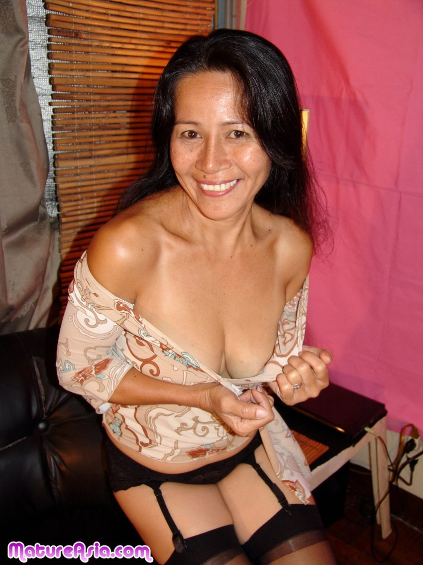 mature chinese sex ... Mature amateur Asian showing pussy