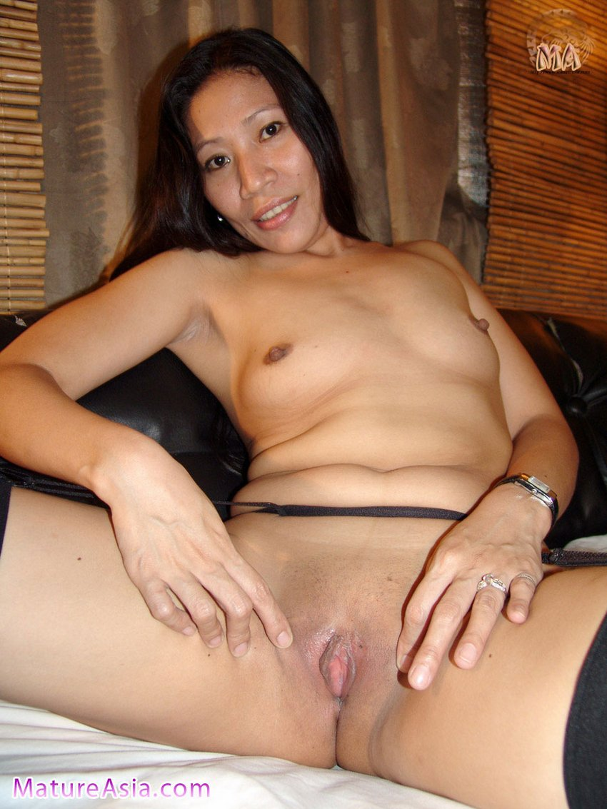 Mature shaved pussey was