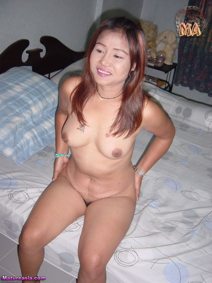 Mature Chubby Asian - Chubby amateur Asian mom naked and doing porn for the first time