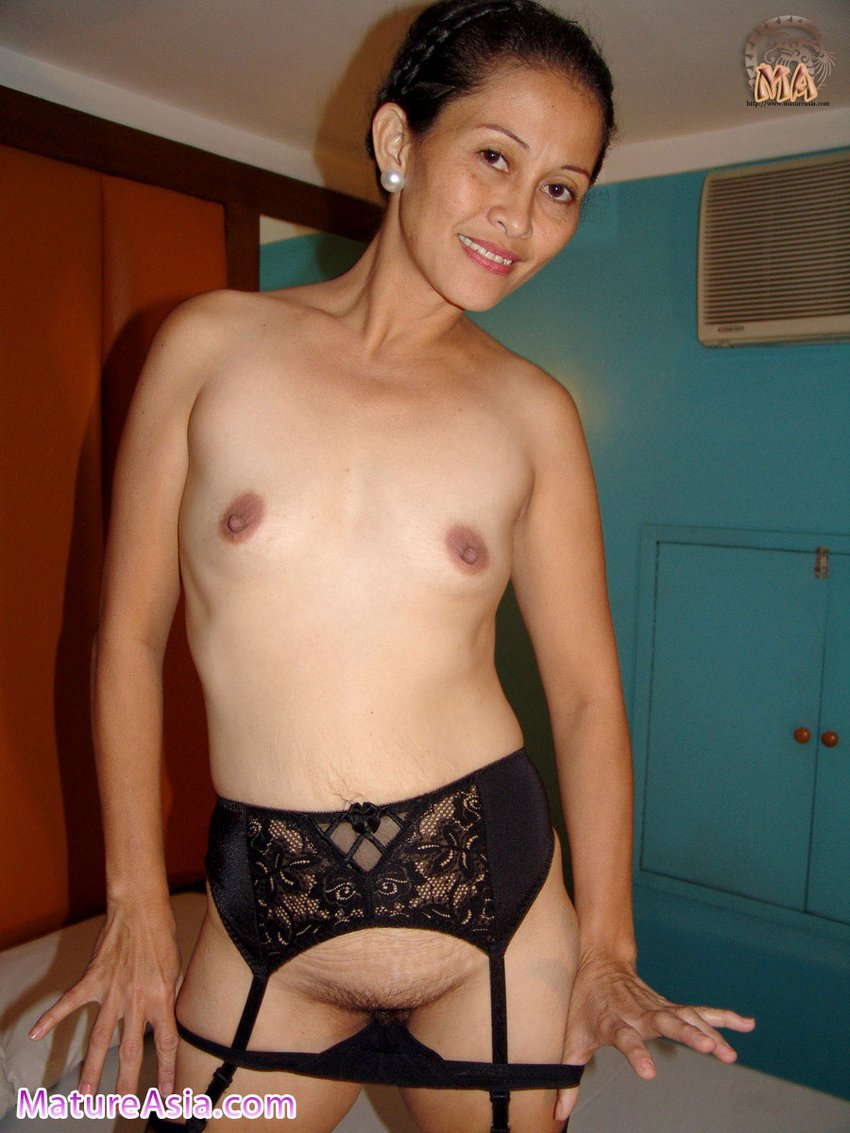 Naughtiest Older Woman Get Nude For You